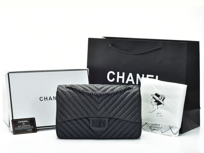 d9ca57b04ab3 Jual Tas Chanel Reissue 2.55 Chevron So Black Agedskin Hitam AH9605V ...