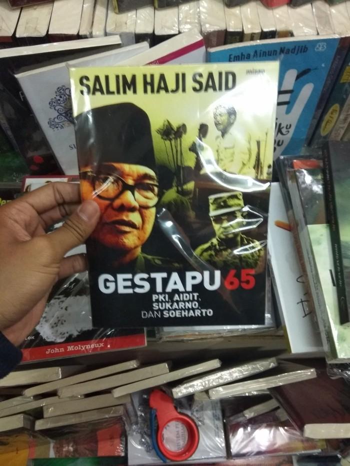 Buku gestapu 65: pkii aidiit sukarno dan soeharto -salim