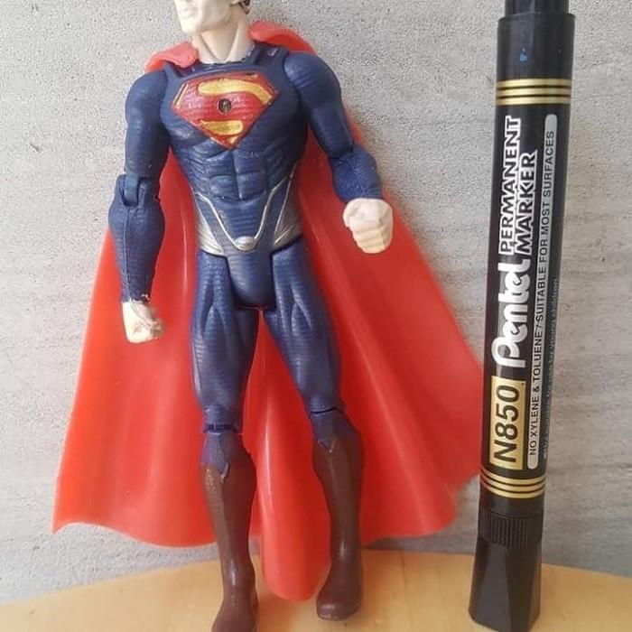 DC COMICS JUSTTICE LEAGUE MAN OF STEEL SUPERMAN WITH BASE FIGURE