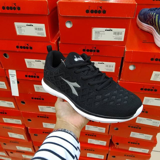 harga Sepatu diadora running genoma hitam cowok bnib original termurah  Tokopedia.com 18ce24a6cb