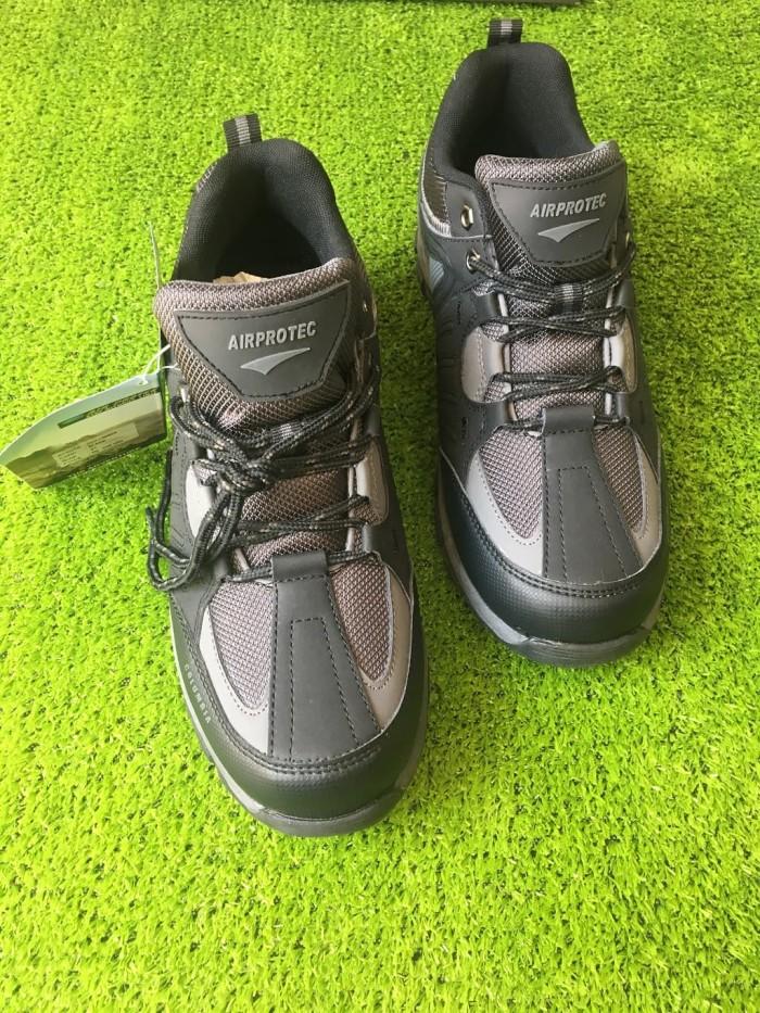 Sepatu Trekking Hiking Gunung Outdoor Shoes Air Protect Columbia Pende -  Hitam 95f6cceb47