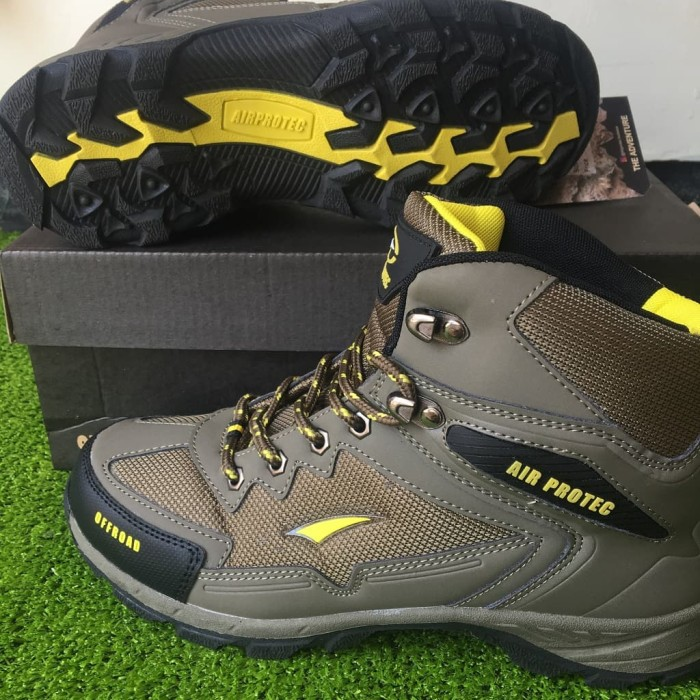 Sepatu Trekking Hiking Gunung Outdoor Shoes Air Protect Columbia Coral f3d925428b