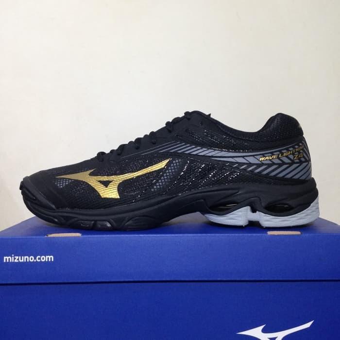 Promo Sepatu Volley Mizuno Wave Lightning Z4 Hitam Gold V1GA180050 Ori e83d864518
