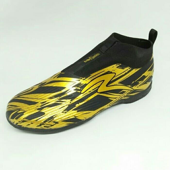Jual Sepatu Futsal Specs Accelerator Illuzion In Gold Tanpa Tali