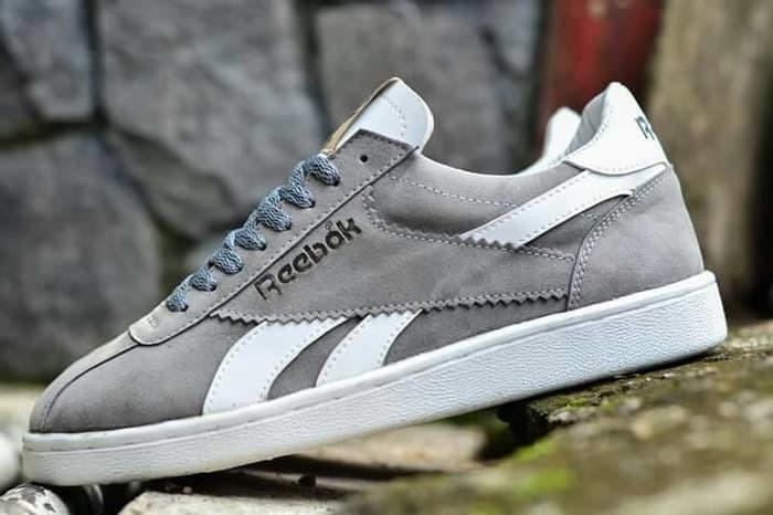 Jual limited edition ! Sepatu casual pria kuliah santai reebok swede ... 7e3d6c3b52