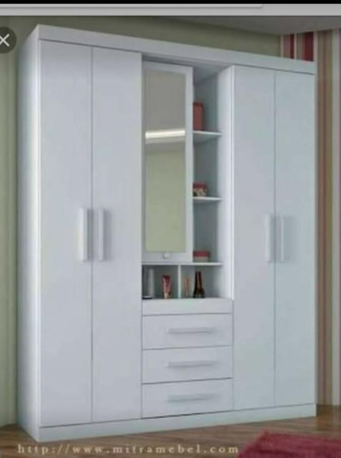63+ Model Desain Lemari Pakaian Tiga Pintu Terlihat Keren