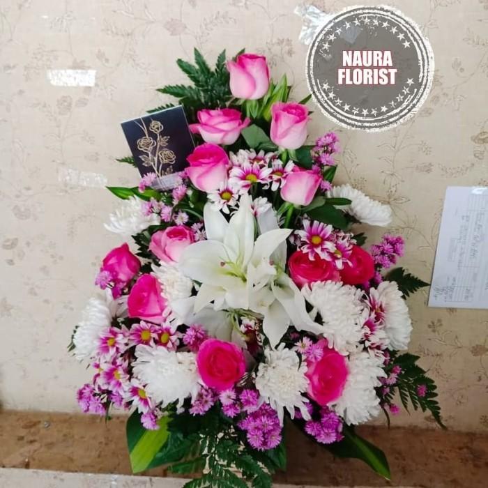 Jual Rangkaian Bunga Bunga Meja Bunga Ultahmawar Pink Dan Lili