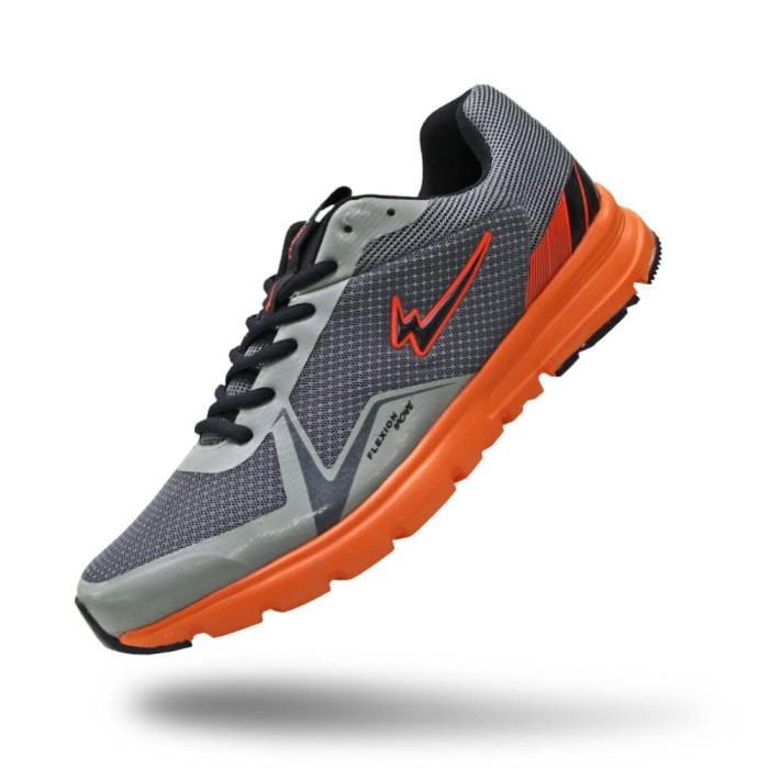 Sepatu Eagle Thunderbolt - Sepatu Lari - Black Black, 44