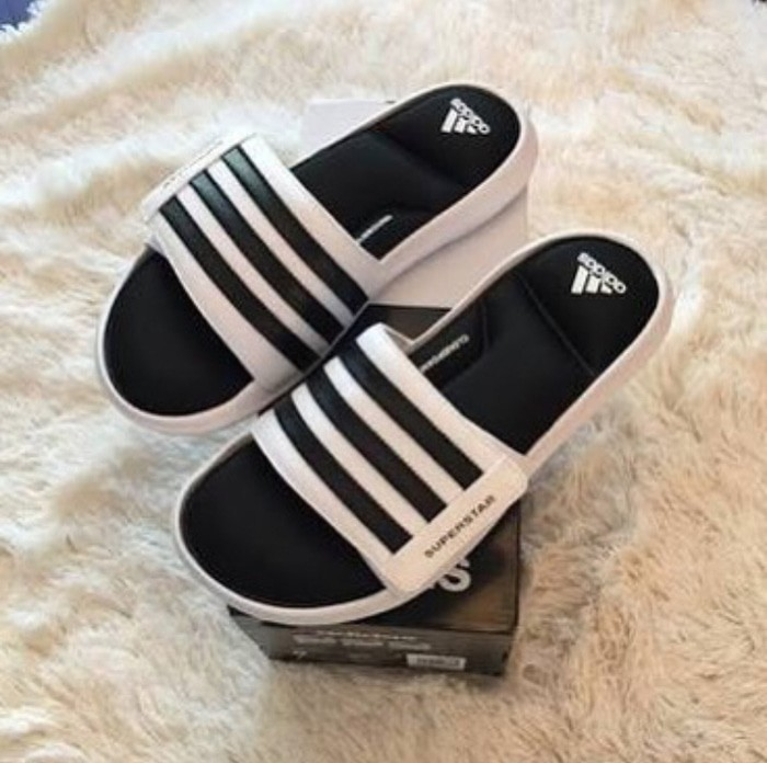 fc96f8e3b47 Jual Sandal pria Adidas Sandals Superstar 5G Slide Black White ...