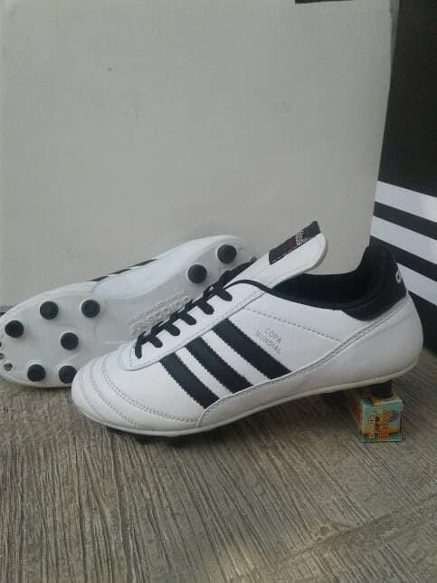 3dbbd286c Jual sepatu bola adidas copa mundial new white kulit grade ori - Kota Medan  - hermanto corner | Tokopedia
