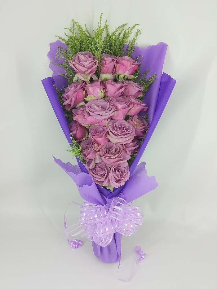 Jual Buket Bunga Mawar Ungu Asli Hand Bouquet Bucket Wisuda Hadiah Jakarta Selatan Home Flower Nawra Tokopedia