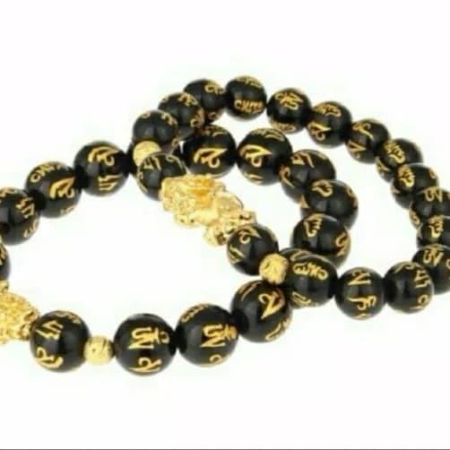 Gelang Emas murni dengan bandul berbentuk Pixiu yang