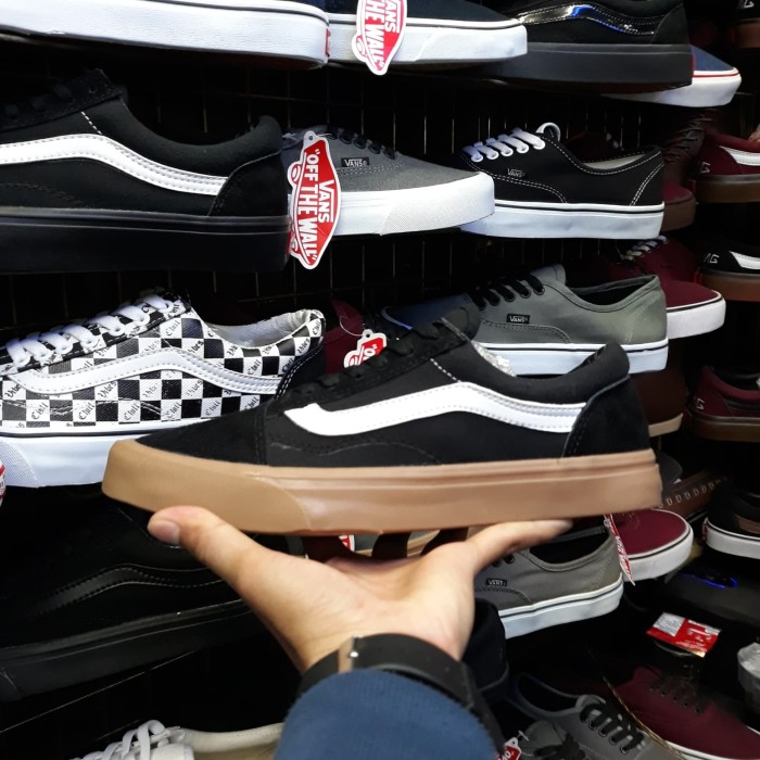 Jual Sepatu Vans Old Skool Hitam Sol Gum Coklat Polos Murah - Toko ... 8cc4bf52c0