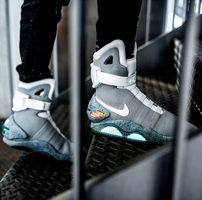 """Jual Nike Air Mag """" Back To The Future"""