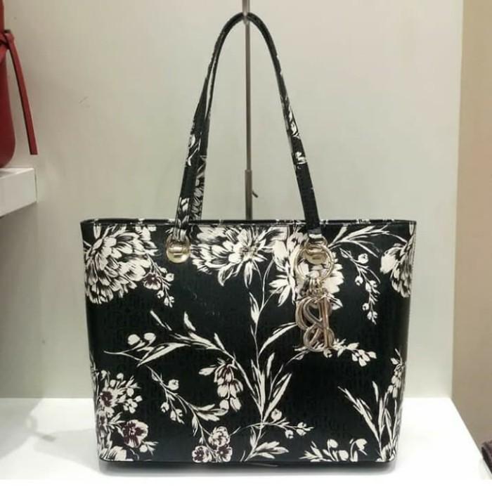 Jual Tas Wanita Guess Original Tam Tote Floral - HECC Shop  3e7a6a7e81