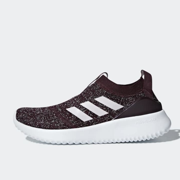 Jual Sepatu Lari Wanita Adidas Ultimafusion Maroon Original - Ncr ... 62e25e7e0c