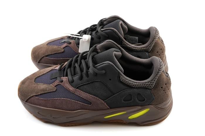 huge discount 930c9 e5785 Jual Adidas Yeezy 700 Mauve