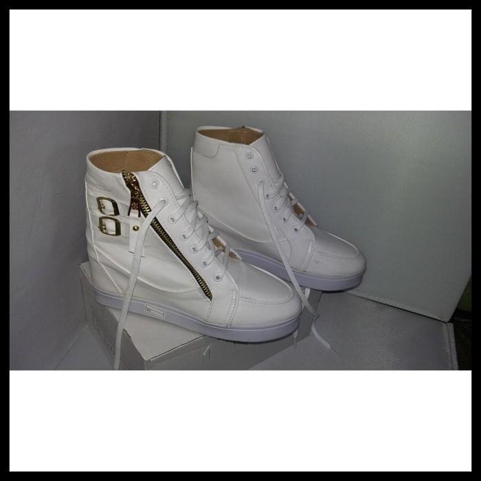 Terlaris Boots Hak Sepatu Wedges Putih