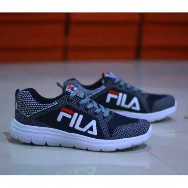 Jual Sepatu fila 02 sneakers murah pria running lari jogging ... 54d4bd6c52