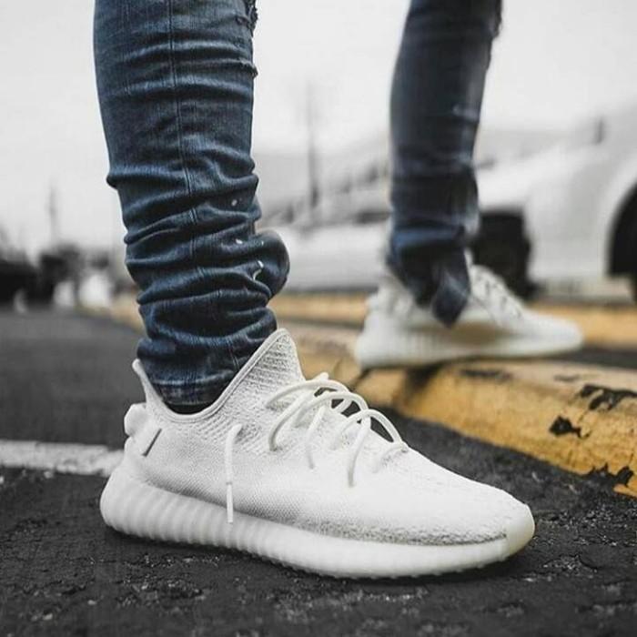 online store 1efaf 8765c Jual Sepatu Adidas Yeezy Boost SPLY 350 V2 Tripe White Premium Original -  Putih, 40 - DKI Jakarta - AFS.Store   Tokopedia
