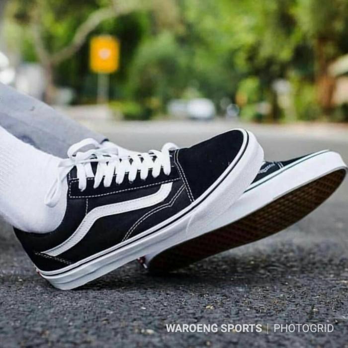 ec468da7c4e Sepatu Vans Old Skool Classic Black White UNISEX PREMIUM Oldskool BW