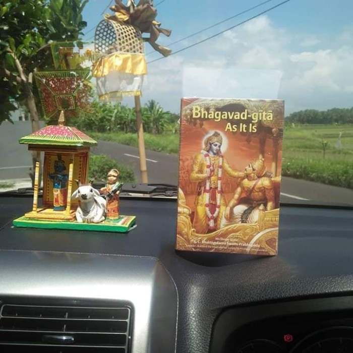 harga Bhagavad-gita as it is small english language Tokopedia.com