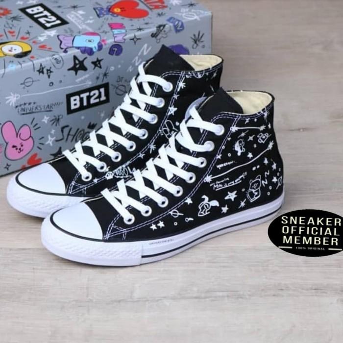 c56df8be767a20 Sepatu UNIVERSTAR BT21 x Converse Chuck Taylor All Star BTS High Black