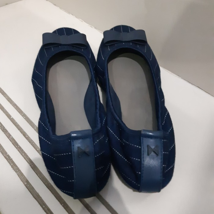 Preloved Flat Shoes Butterfly Twists - Navy