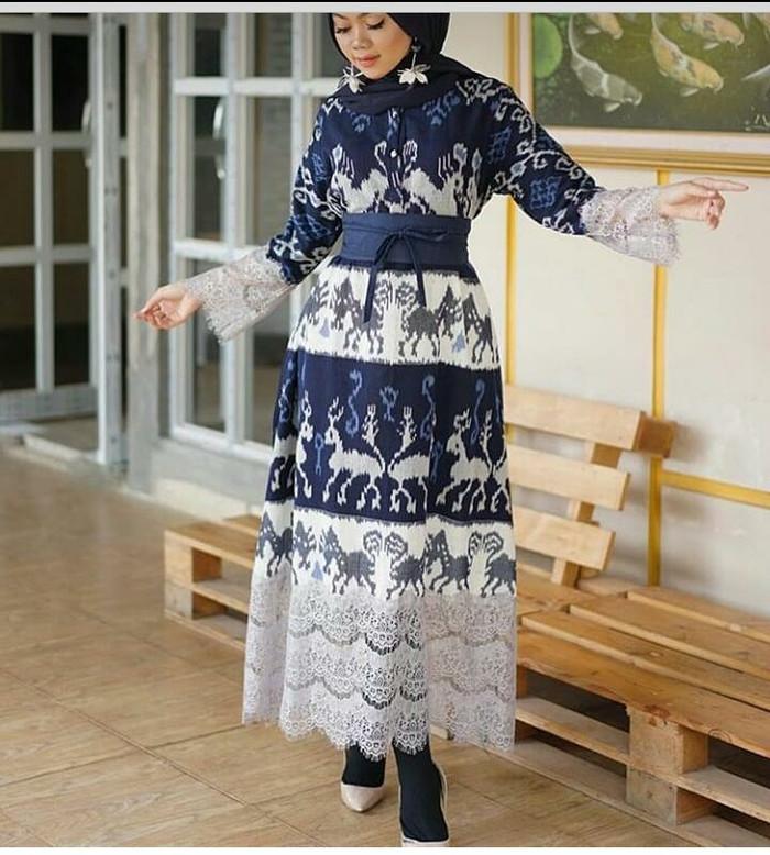 Model Gamis Tenun Kombinasi Brokat Gambar Hijab