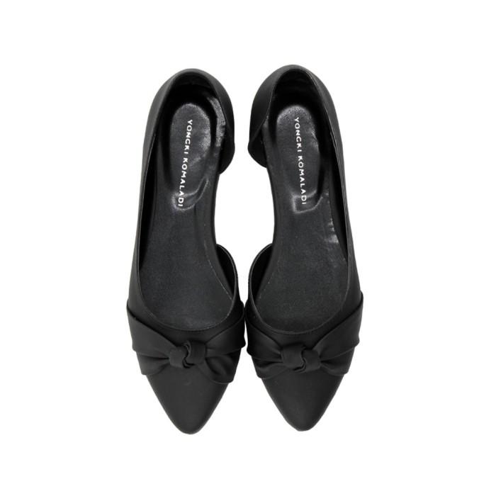 Jual Sepatu Wanita Yongki Komaladi Deolinda Flatshoes Jakarta Barat Kenisha1 Tokopedia