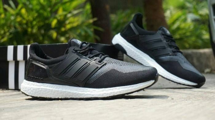 27476e4212334 sepatu sneakers casual running adidas ultra boost hitam putih women - hitam  putih