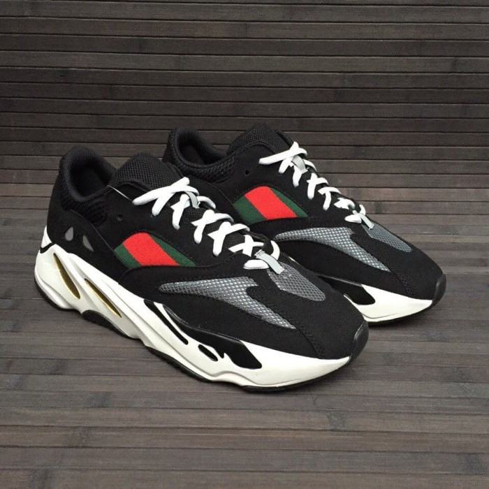 sports shoes 14437 3c837 Jual Sepatu pria Gucci x Adidas Yeezy Wave Runner 700 (Premium Original) -  Kota Bandung - Empire_ID | Tokopedia