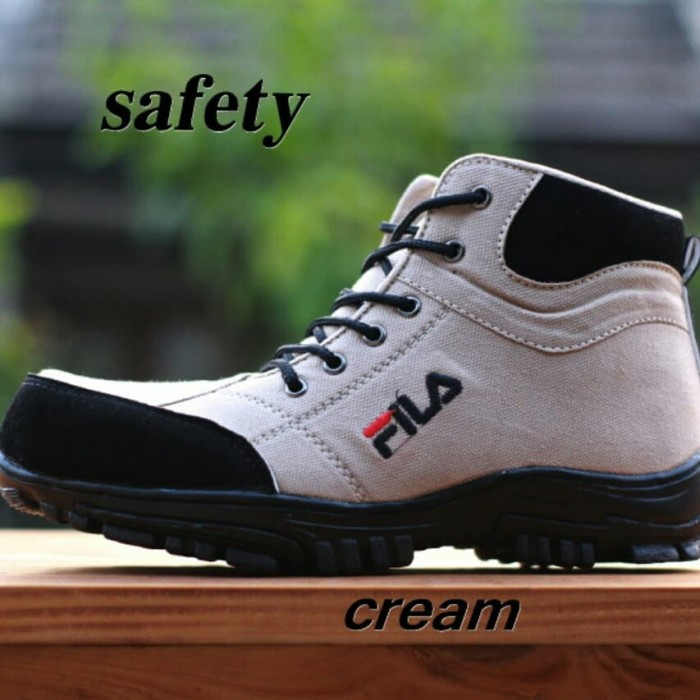Jual Sepatu Boots Safety Tracking Pria Fila Terbaru Free Kaos Kaki Kota Bandung Hazim Store Sepatu Tokopedia