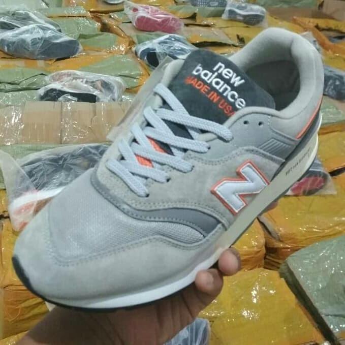 classic fit 88401 9e284 Jual New Balance 997 Made In USA Grey Orange - DKI Jakarta - SAKAY SNEAKERS  | Tokopedia