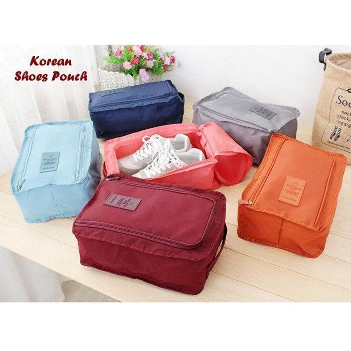 Monopoly shoes pouch travel/ tas sendal sepatu / shoes bag organizer - Maroon