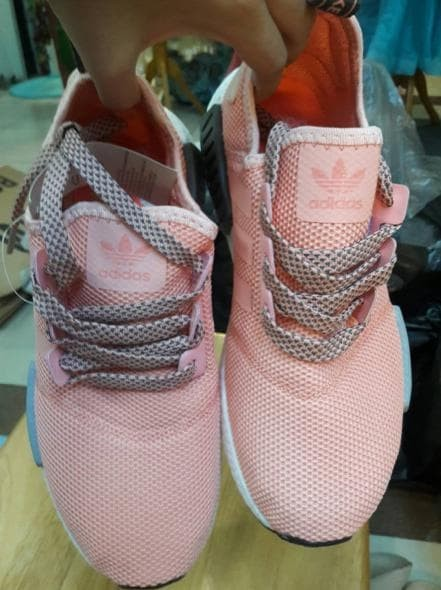 34fe1dc78 Jual Adidas Nmd R1 Vapour Pink Grey Sneakers Wanita Sepatu Olahraga ...