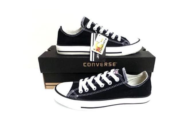 berat sepatu converse original Shop
