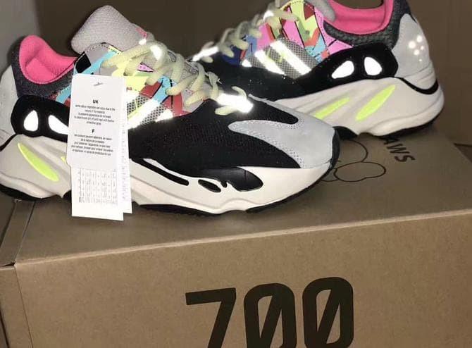 low cost 4c8e3 94987 Jual Adidas Yeezy Boost 700 Kaws - DKI Jakarta - Gressia Store168 |  Tokopedia