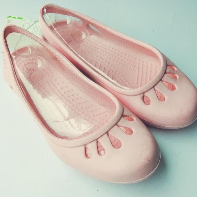 6665cf9af657 Jual Sepatu Karet   Slip On   Sepatu Crocs Malindi   Sepatu Sandal ...