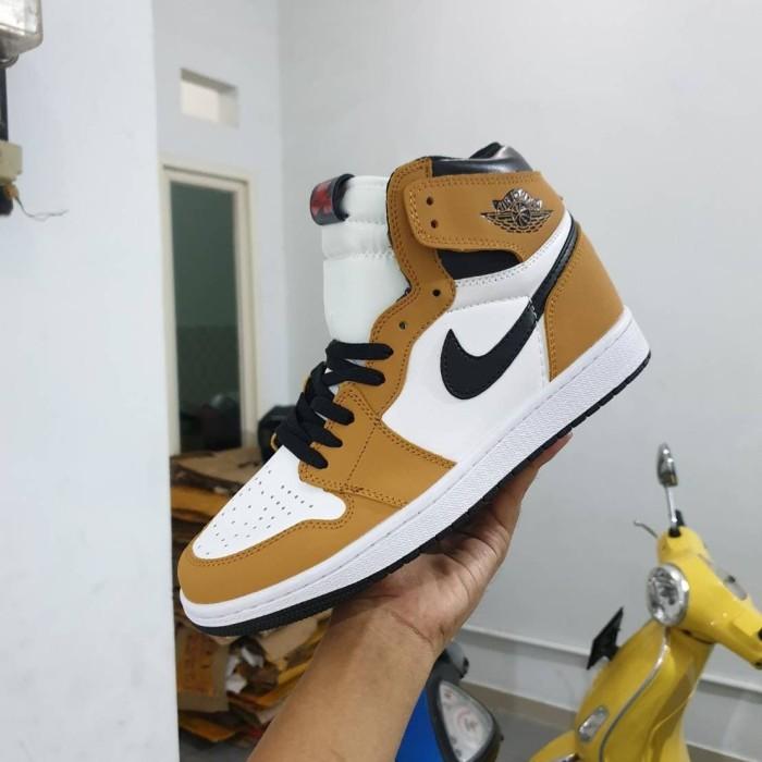 Jual Sepatu Jordan retro 1 brown