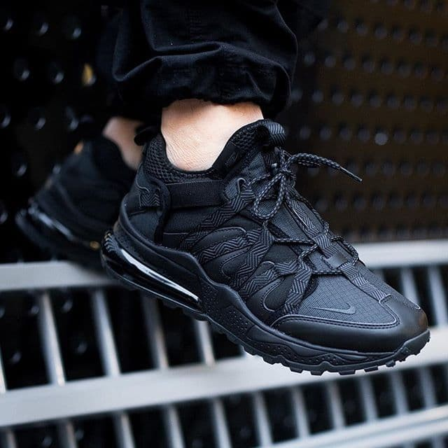 new products b1673 40dc5 Sepatu Nike Airmax 270 Bowfin Triple Black Premium Original