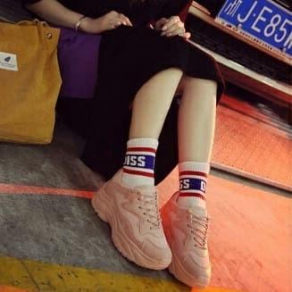 Jual Sepatu Wanita Olah Raga Import Terbaru Sepatu Sekolah Wanita b1cc0de6f5