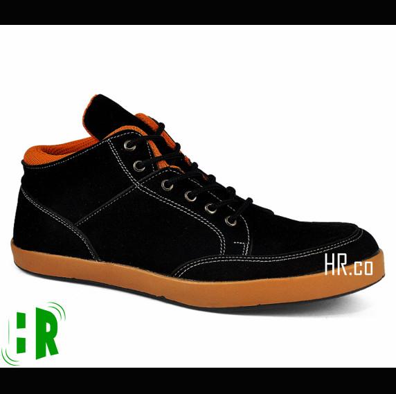 harga Sepatu casual cowok/kasual kuliah/gaya santai/main keren/sneakers pria Tokopedia.com