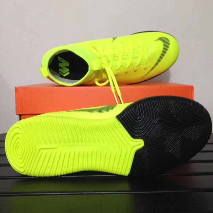 Jual Spesial Sepatu Futsal Anak Nike Jr Sprfly 6 Acdmy Gs Ic Volt ... 226f7a7085