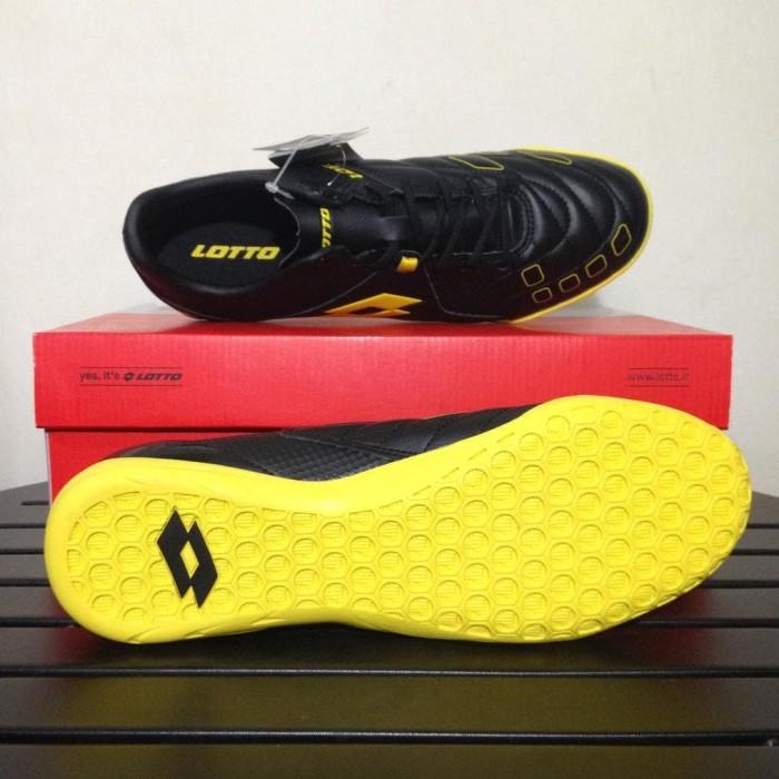 Jual Sale Sepatu Futsal Lotto Squadra In Black Sunshine L01040010 ... 2ed7ed5366
