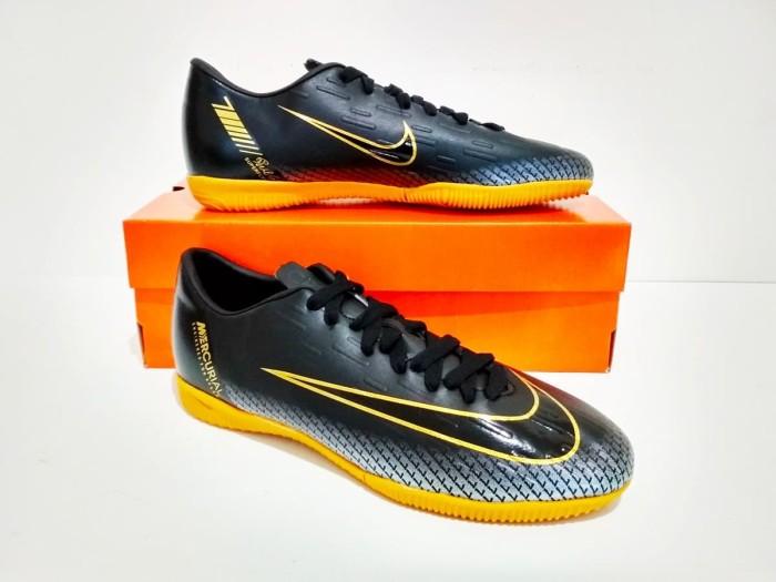 c068049ac51 Jual Grade Import SEPATU FUTSAL Nike Mercurial CR7 IC (Black Gold ...