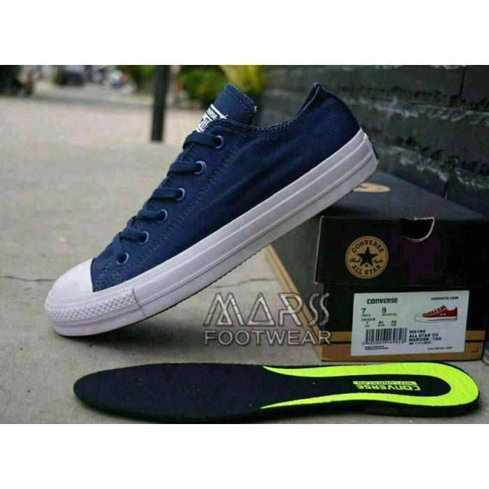 Converse CT2 ox Premium Sepatu Sneakers Pria Wanita Bisa Couple Murah -  Abu-abu Muda 4e87dc067f