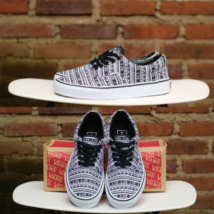 Jual Sepatu Vans Era Aztec Tribal Black and White DT BNIB Original ... d63fc91fbd