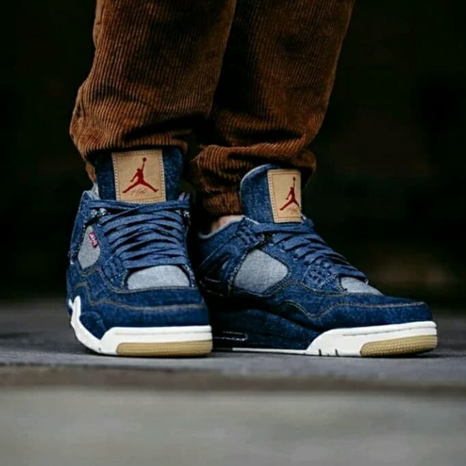 988f6e8a3228 Jual Sepatu Nike Air Jordan 4 Retro levis   sepatu basket premium ...