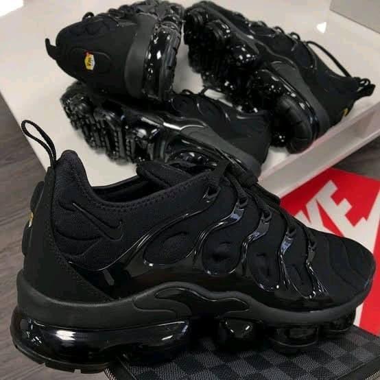 55cdd78d26757 Jual Nike Vapormax Plus Full Black - Kota Administrasi Jakarta Utara ...